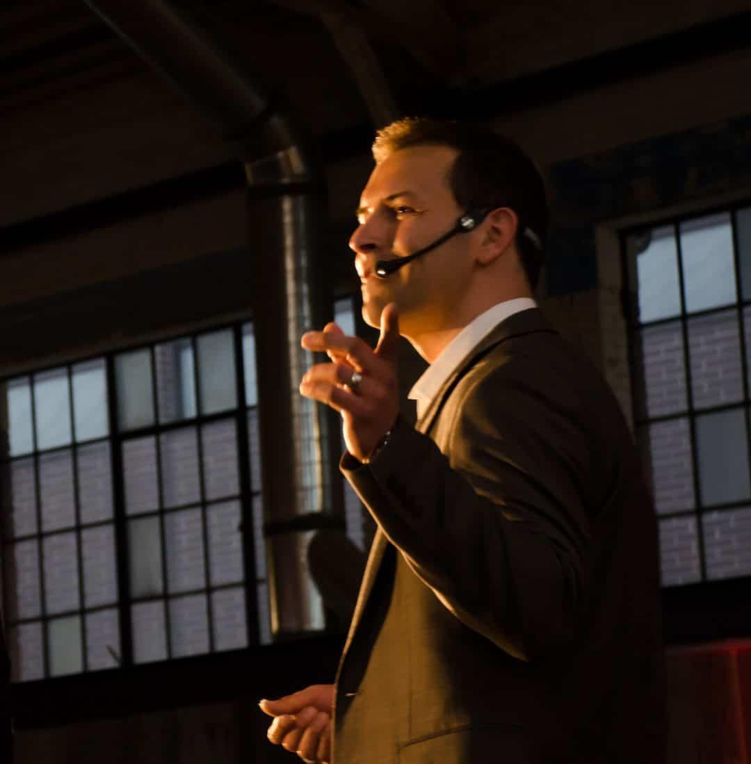 Eric Deschamps – Professional Speaker 9