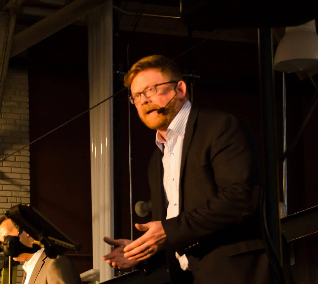 Rob Dale – Professional Speaker 1